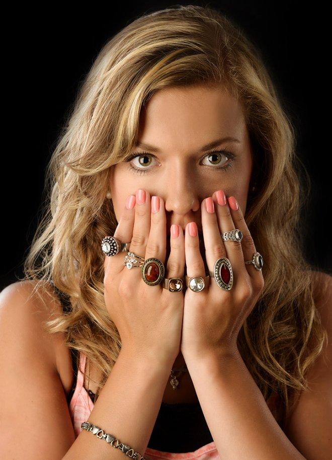 frau mit ringen